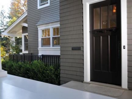 美式传统格调别墅室外玄关灰色外墙装修计