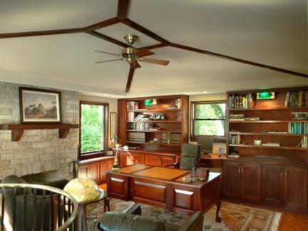传统美式书房吊顶装修案例