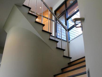 当代实木楼梯踏板装修设计