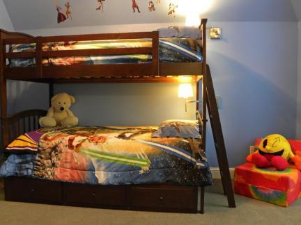 美式风格儿童房上下床装修设计