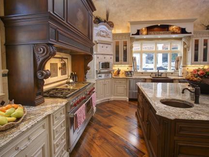 梦幻城堡欧式混搭别墅厨房橱柜设计
