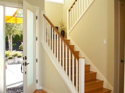 现代乡村别墅简约楼梯装修图欣赏