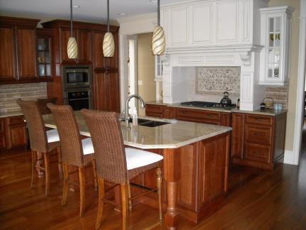 欧式别墅厨房实木橱柜装修设计