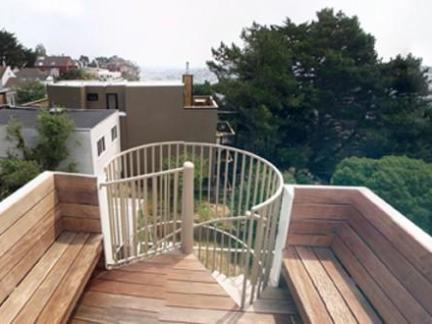 美式乡村风格时尚别墅楼顶原木色地板砖精装设计