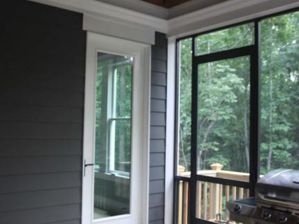 飘窗客厅玻璃推拉门精装设计
