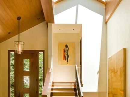 雅致现代风格别墅尖顶玻璃观景窗图片欣赏