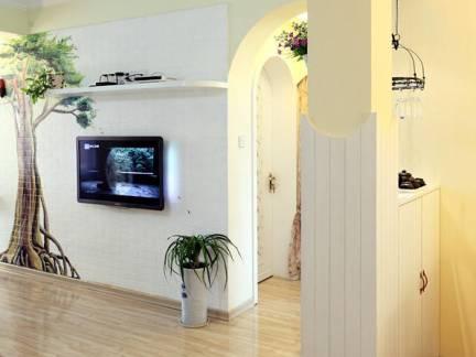 四室两厅田园风格木制护墙板装修设计