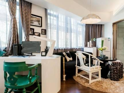 混搭风格三室两厅客厅窗帘装修设计