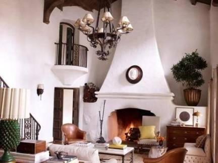 后现代风格复式楼客厅壁炉装修设计