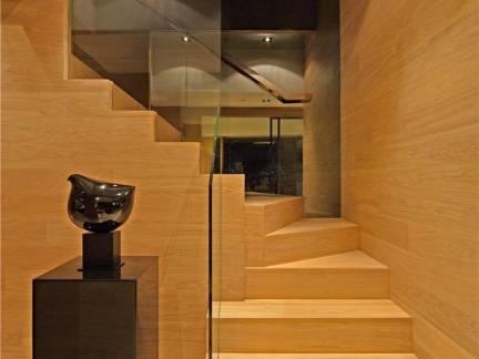 现代简约复式楼楼梯装修设计