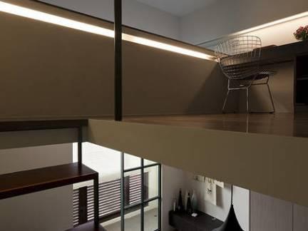 韩式风格跃层楼梯装修设计