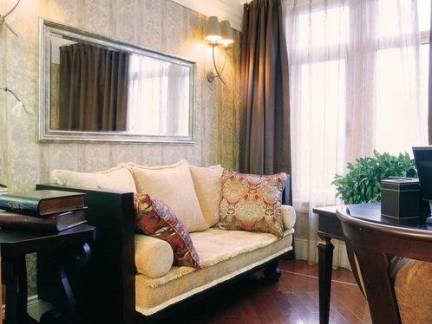 美式风格小户型客厅窗帘装修设计