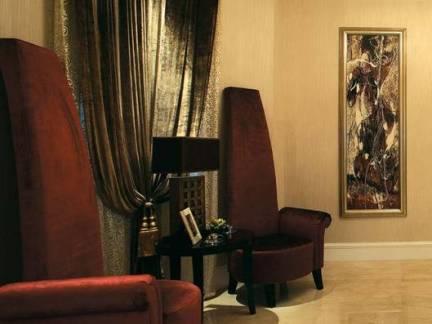 欧式风格公寓走廊阅读角窗帘装修设计