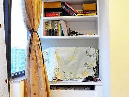 现代简约风格阳台小书房设计效果图