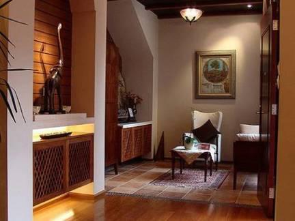欧式小型别墅玄关柜装修设计