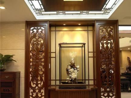 中式风格别墅玄关镂空隔断装修设计