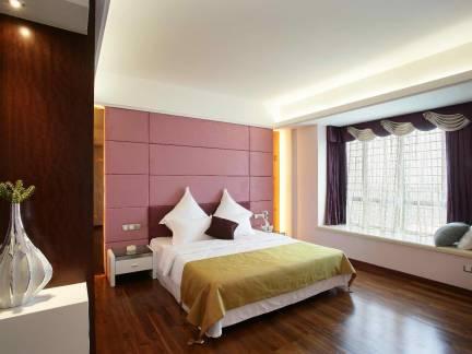 优雅公寓现代风格卧室飘窗装饰效果图