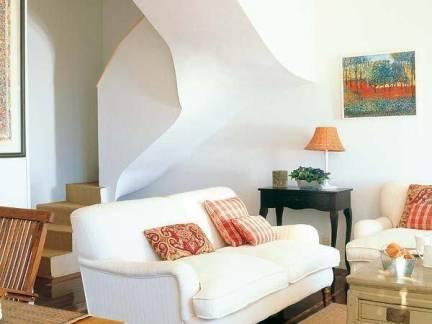 创意混搭美式小跃层客厅沙发效果图