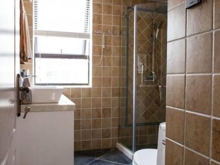 欧式中等户型卫生间墙面瓷砖装修设计