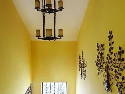 地中海风格别墅楼梯墙面装饰图片欣赏