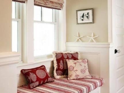 田园白色简约客厅卡座飘窗设计图