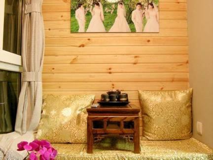 中式风格四居室阳台榻榻米装修设计