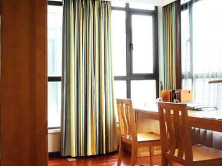 素雅中式风格餐厅窗帘效果图