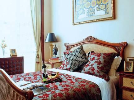 东南亚风格三居室卧室床头柜装修设计