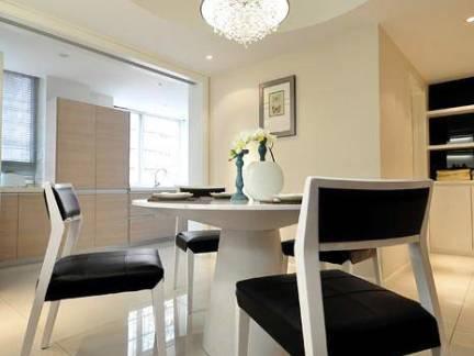 精致日式风格三居室餐厅餐桌及吊顶设计美图