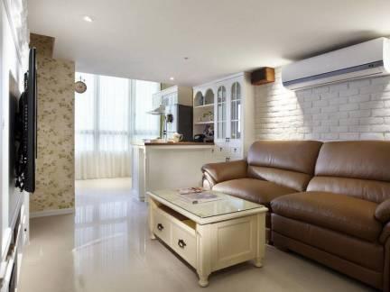乡村美式风格小户型客厅真皮沙发装修设计