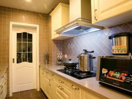 西式长型厨房整体橱柜装修设计