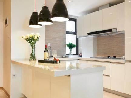 白色现代简约厨房吧台吊顶装修图
