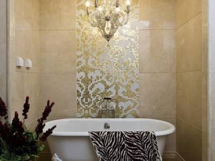 欧式风格别墅卫生间浴缸拼花瓷砖装修设计