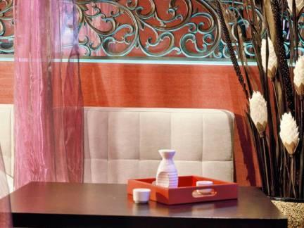 中式风格小户型客厅沙发背景墙装修设计