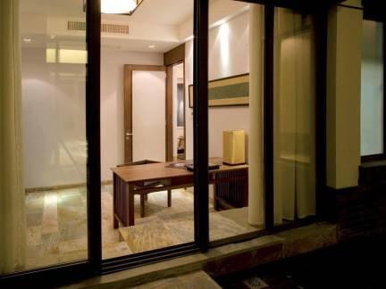 中式风格书房飘窗实景图