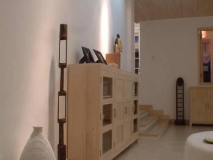 韩式跃层走廊玄关柜装修设计