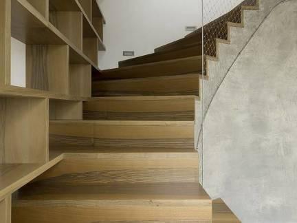 现代简约大户型别墅楼梯设计方案欣赏
