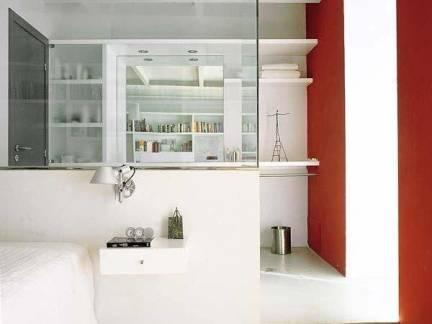 时尚小户型卧室玻璃隔断装修设计