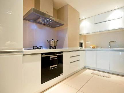 现代风格小户型厨房整体橱柜装修设计
