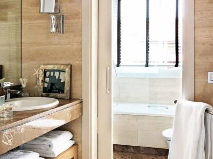 典雅韩式风格复式楼卫生间浴室柜装修设计