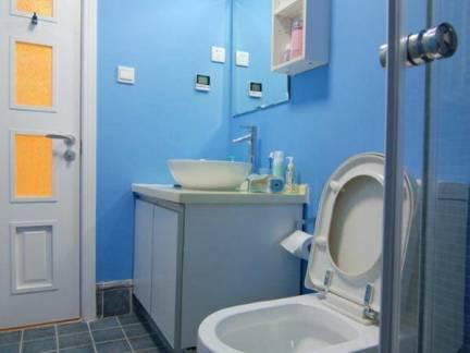 梦幻蓝色现代风格卫生间样板间