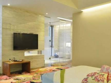 现代风格大户型卧室电视背景墙设计图
