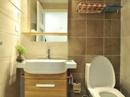 现代风格小户型卫生间浴室柜装修设计
