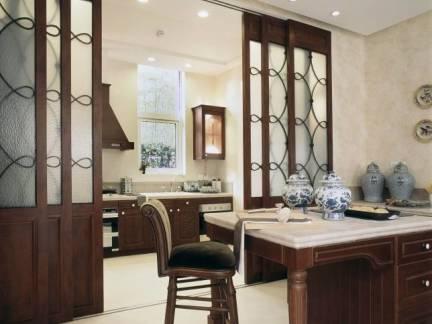 新中式别墅餐厅餐桌装修设计