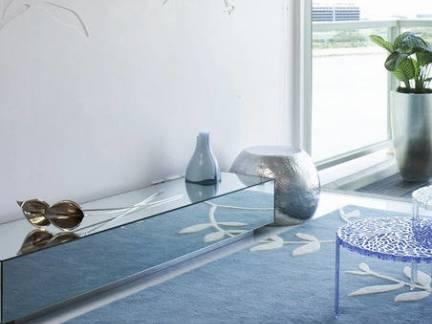 地中海风格别墅走廊玻璃装饰柜地毯装修设计