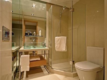 日韩风格别墅卫生间浴室柜装修设计