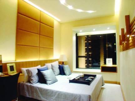 朴素小户型卧室背景墙图片欣赏