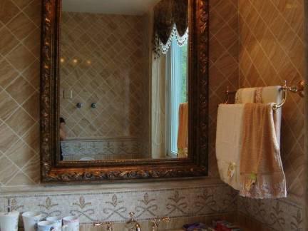 后现代风格复式楼卫生间洗手台图片欣赏