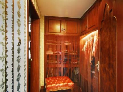 东南亚风格别墅衣帽间衣柜装修设计