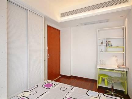 100平米三居室儿童房书桌装修设计